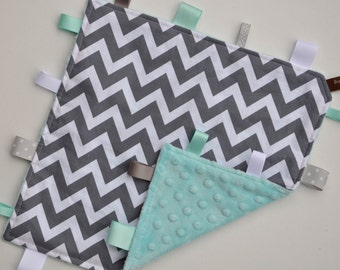 Tag / Lovely Blanket - Grey Chevron with Aqua Minky