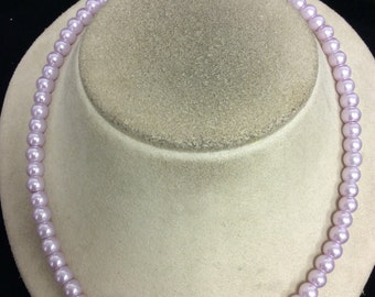 Vintage Lilac Colored Glass Beaded Necklace