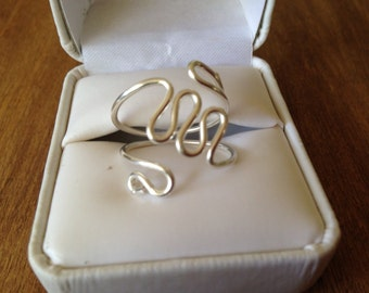Silver wire ring ( wave design)