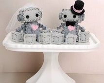 Mini Robot Cake Toppers for a Geek Wedding or a Robot Wedding in Dove Gray, Bride and Groom, Geek Love