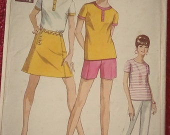 Vintage Simplicity paper pattern 7547 for shorts, trousers, blouse and mini-skirt 1960s