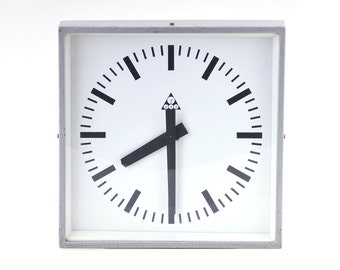 Industrial wall clock Pragotron C 401