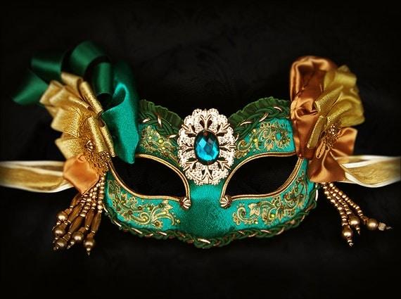 foto de Emerald Green & Gold Masquerade Mask With Various