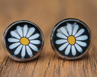 Daisy Earrings, White, Flower, Floral, Studs, Stud Earrings, Post Earrings, Small Studs, Glass Dome Earrings