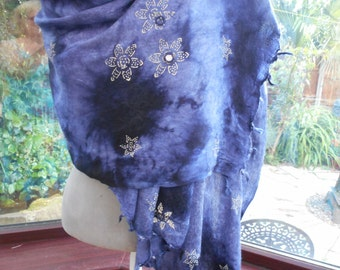 Vintage largewrap shawl scarf indian cotton fringed shades of blue dip dyed with mirrored embroidery
