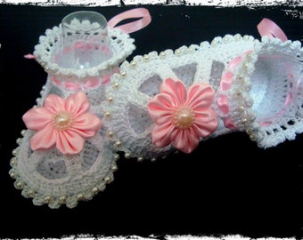 Hand Crocheted Baby Booties. Crochet Baptism Booties-Sandals with pink flower.Christening baby booties,white crocheted summer booties