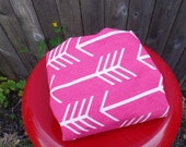 Arrow print changing pad cover pink