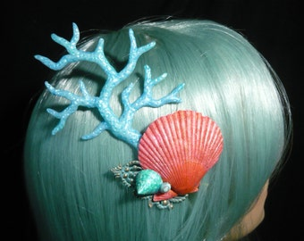 Mermaids Glamour - wonderfull Hairclip with pearlescent Seashells and Kelp