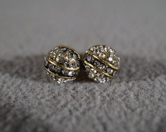 Vintage Traditional Style Yellow Gold Tone Rhinestones Dome Shaped Stud Style Pierced Earrings Jewelry   K