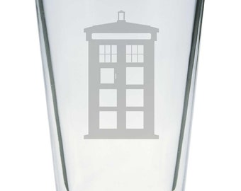 Single Etched Pint Glass Inspired by Doctor Who TARDIS