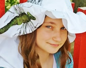 Waterproof NOÉ rain hat with green dragonfly