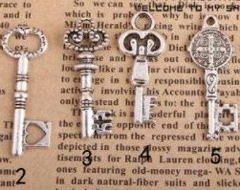15 pcs of antique silver  key chaem pendant