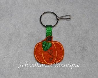 Pumpkin With Leaf Felt Zipper Pull, Felt Keychain Fob, Felt Key Ring, Felt Key Fob, Purse Accessory, Luggage Tag