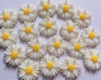 10 pcs 13 mm White cabochon Flower,13 mm White resin Flower.White sunflower cabochon,sunflower,white resin cabochon,13 mm white flower