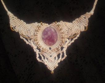 white moongodess sacred divine angel wedding Rhodonite crystal Gemstone healing tribal boho bohemian gipsy makramee necklace golden beads