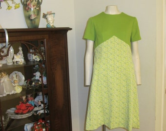 1960 Vintage Lime Green Floral Short Sleeve Dress - Mad Men Style
