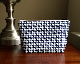 Makeup bag - Cosmetic bag - Bridesmaid gift bag - Navy and White Houndstooth