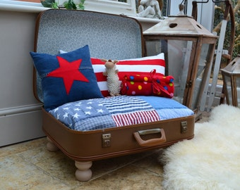 Star and Stripes Vintage Suitcase Pet Bed Dog Cat