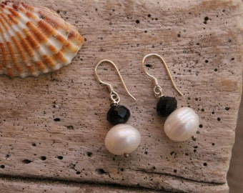 Sterling Silver Earrings with Fresh Water pearls and Cristals