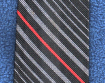 Vintage Curated Wallach's Fifth Avenue  Preppy Skinny Tie  GIFT QUALITY Please Check OurExcellentCustomer FeedbackAndFreeShippingOfferActive