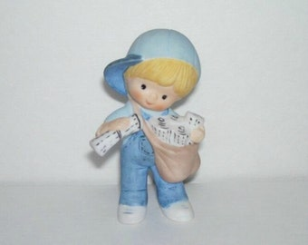Enesco Country Cousins Scooter Newspaper Boy Figurine
