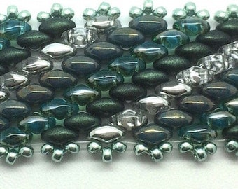 Unique Bobby Bracelet in Shades of Green