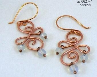 Boucles d'oreille Wiry - cuivre naturel et pierre de lune wire wrapping
