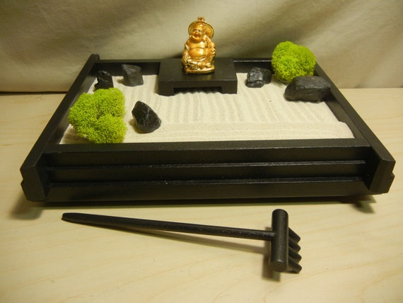 S 03gb Small Desk Or Table Top Zen Garden With Golden Buddha