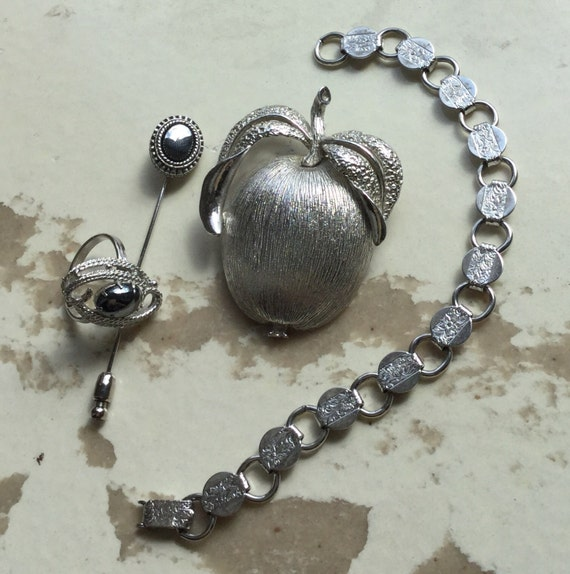 items similar to vintage sarah coventry jewelry on etsy