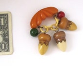 Art Deco Bakelite Vintage Pin Brooch Pendants