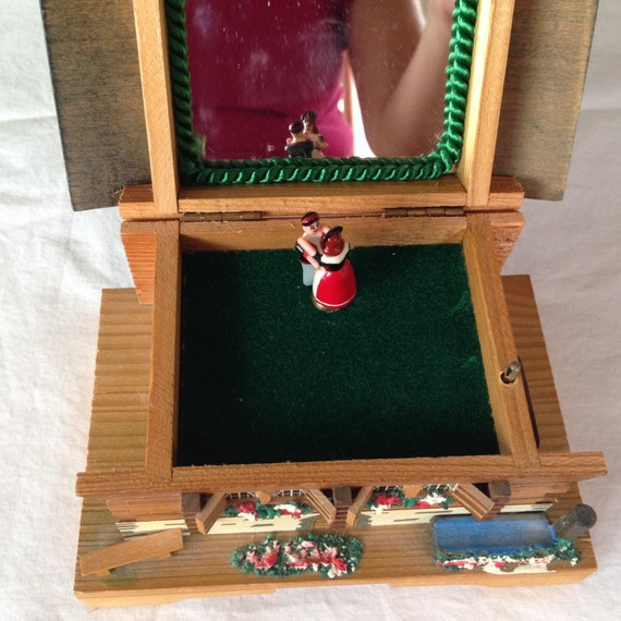 Vintage swiss chalet music box rare spinning couple dancing - The dancing chalet ...