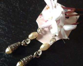 Ivory Pearl Earrings, Fresh Water Pearl Dangle Earrings , Pearl Drop Earrings, Dainty Pearl Earrings