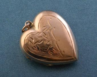 9ct Gold Vintage Heart Locket (952z)