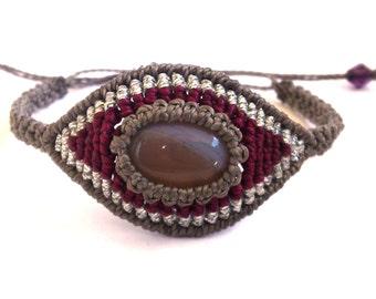 Evil Eye Macrame Bracelet with a Grey Agate Cabochon