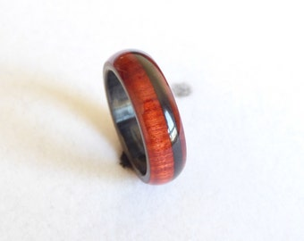 red heart wood & carbon fiber ring
