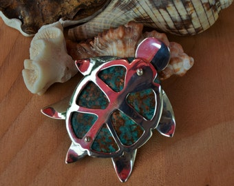 Turtle pin in silver and patina