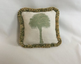 Green Pal Tree Pillow Cover 10x10