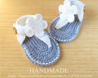 Instant Download - Crochet PATTERN (PDF file) - Double sole White baby Sandals with Flowers