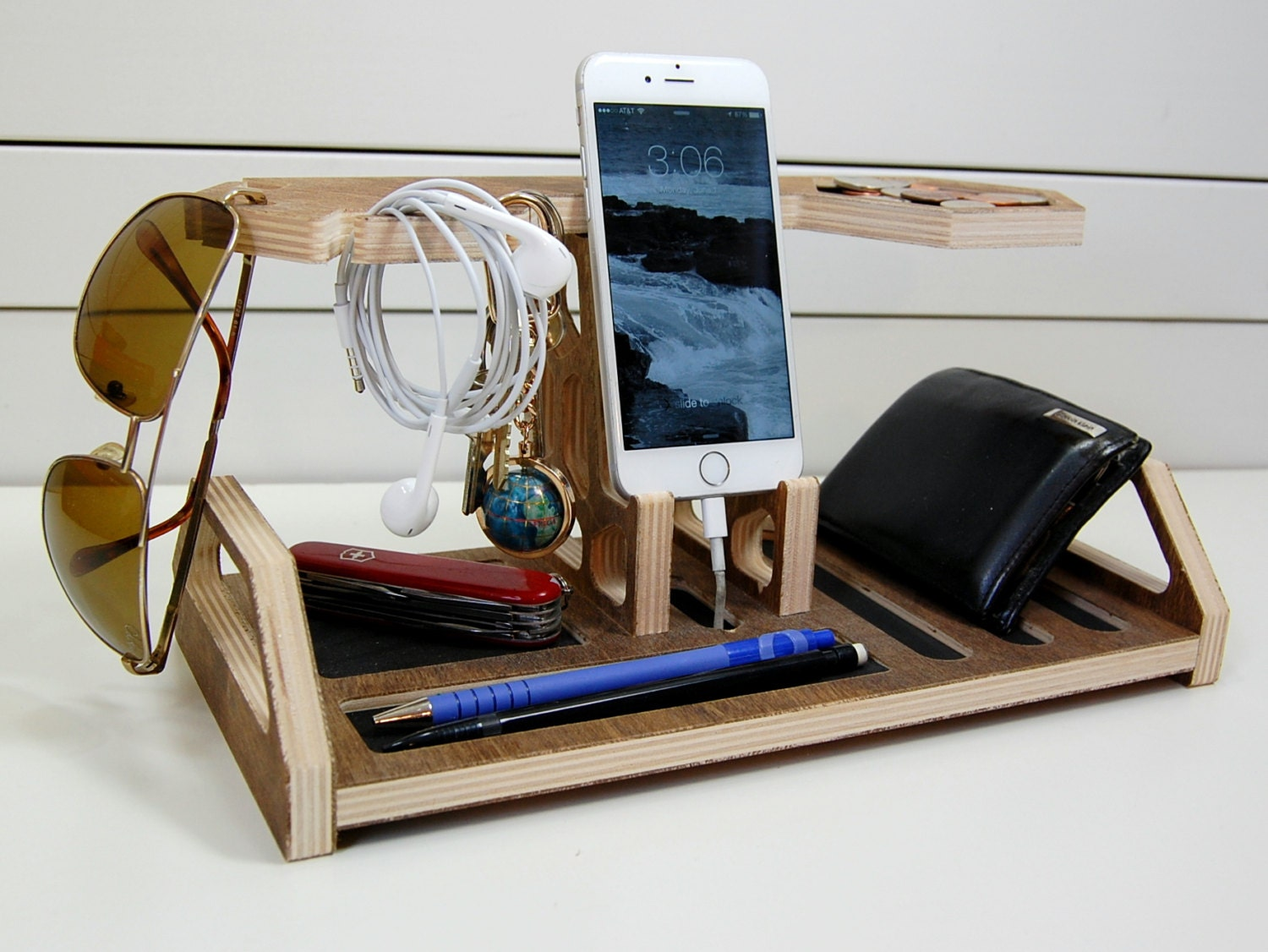 Honeycomb Charging Station Valet