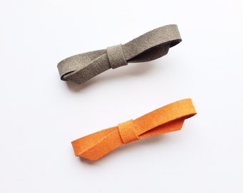 Set of 2 Suede Bow Clips - Grey Bow - Terracotta Bow - Polyester suede - Handmade - Fabric bow clips - Timeless hair clips - Alligator clips