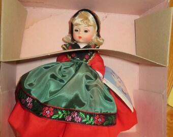 Madame Alexander Doll, Sweden #592