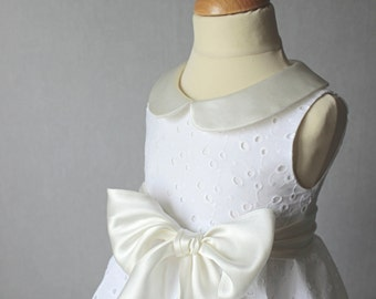 Baptism Set, Baby Girl Baptism Outfit, Christening Dress and Bloomers in Broderie Anglaise, White eyelet Flower Dress