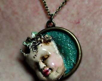 """Medallion """"Boquitas painted 3"""""""