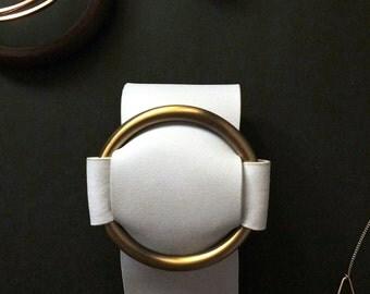 leather metallic buckle bracelet {white}