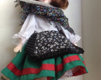 "9"" Suzanne Gibson Doll France"