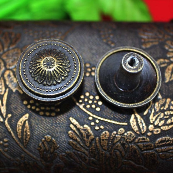 Pair of flower button knobs classical round head metal for Knobs for bureau