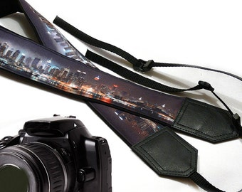 New York City camera strap. Skyline Photography. DSLR / SLR Camera Strap. Fashion accessories by InTePro