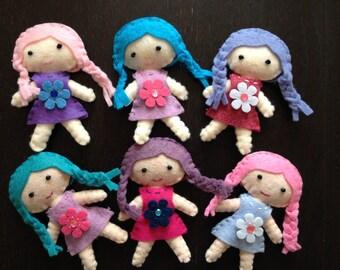 Lola Cutie Pocket Doll