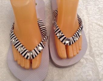 Women's Size Medium Black and White Ribbon and Rhinestone Flip Flops Size 7-8