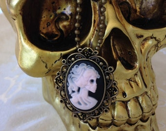 Skull cameo necklace